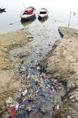 Sewage water pollution channel to holy Ganges river, India — Stock Photo