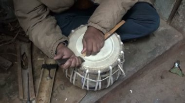 New indian tabla drum in instrument masters hands, India — Stock Video
