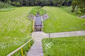 Zavlažovací kanál v oblasti hospodářství s vodní brána — Stock fotografie