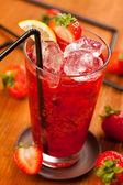 Jahodový nápoj — Stock fotografie