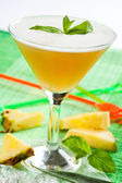 Drink with peach and pineapple — Stockfoto