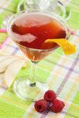 Bramen, rode drankje — Stockfoto