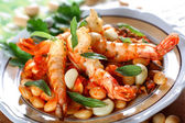 Shrimp with white beans — Stock Photo
