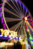 Abstract long exposure picture of highlighted giant ferris wheel in Prater Amusement Park in Vienna — Stock Photo