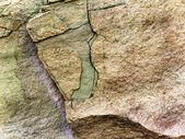 Stone rock with cracks — Stockfoto