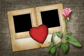 Two old-style photo with red paper heart with pink rose — Foto de Stock