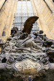 Statue at the of St. Vitus Cathedral — Stock Photo