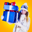 Christmas Woman. Beautiful New Year and Christmas Gift Holiday H — Stockfoto