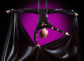 Beautiful dancer on aerial silk, aerial contortion, aerial ribbons, aerial silks, aerial tissues, fabric, ribbon, tissue — Stock Photo