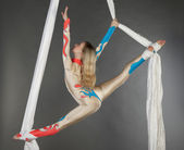 Trapeze artist — Stock Photo