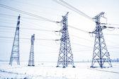 Elektriska tower struktur i snön — Stockfoto