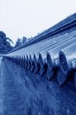 Piastrelle smaltate blu sul muro — Foto Stock