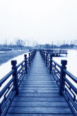Chinese traditional style wooden bridge — Photo
