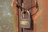 Rusty lock — Стоковое фото