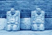 Stenen beeldhouwwerk werkt in een tempel — Stockfoto