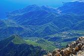 View of a beautiful green mountain range — Stock Photo