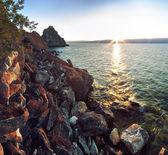 Rocky coast at Lake Baikal, Shamanka — Stock Photo