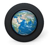 Pneu et la terre — Photo