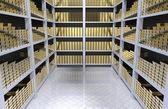 Hyllor med guld — Stockfoto