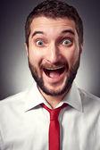 Joven excitado con barba — Foto de Stock