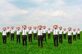 Podnikatelé drží velký úsměv — Stock fotografie