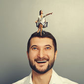 Earnest woman and happy man — Stock Photo