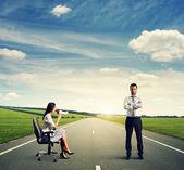 Discontented woman and serious calm man — Foto de Stock