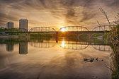 Victoria Bridge at Sunrise — Stock Photo
