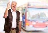 Porträt glücklich alter mann — Stockfoto