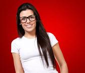 Retrato de una chica joven con especificaciones — Foto de Stock