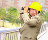 Senior Architect Looking Through Binoculars — Foto de Stock