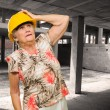 Senior Woman Wearing Hardhat — Foto de Stock