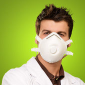 Männlichen arzt mit maske — Stockfoto