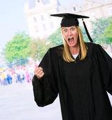 一个愤怒的毕业生的肖像 — 图库照片