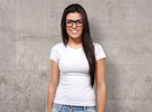 Portrait d'une jeune fille portant des spécifications — Photo
