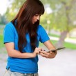 Woman Using Ipad — Stock Photo