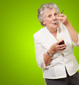 Mature Woman Standing And Taking Healthy Drink — Stock Photo