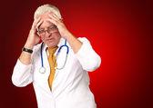 Портрет старший врач — Стоковое фото