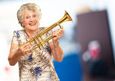 Portrait Of A Senior Woman Holding A Trumpet — Foto de Stock