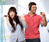 夫妇表演的歌曲 — 图库照片