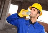 água potável de engenheiro — Foto Stock