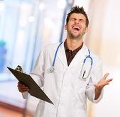 Heyecanlı doktor portresi — Stok fotoğraf