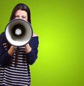 Portret van een vrouw met megafoon — Stockfoto