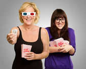 Mother And Daughter Enjoying 3d Movie — Stock Photo