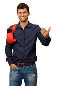 Hombre con guantes de boxeo y gesticular — Foto de Stock