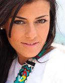 Close-up van vrij jonge vrouw — Stockfoto