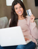 Portrait Of Woman Holding Credit Card — Stock Photo