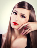 Fashionable beauty — Stock Photo