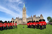 Changing of the guard in Ottawa, Canada — Zdjęcie stockowe