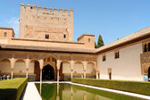 Comares Tower and Courtyard of the Myrtles in Granada, Spain — Stock Photo